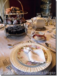 Tablescape fit for a Queen 096