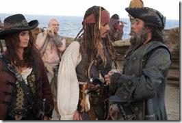 Pirates-of-the-Caribbean-On-Stranger-Tides-Angelica-Jack-Blackbeard-9-12-10-kc