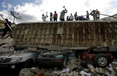 capt_eef7439a8ab54a728e1d6f634dc6dc67_aptopix_haiti_earthquake_xra110