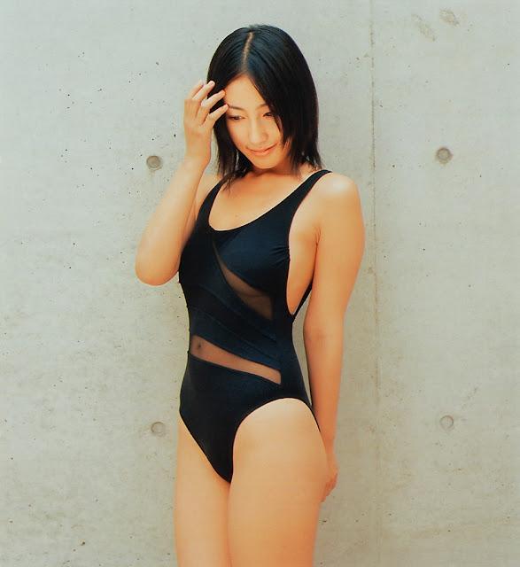 佐藤寛子さんの水着
