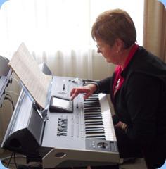 Pam Rea setting-up the latest Korg arranger keyboard - the Pa3X