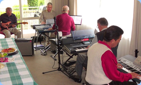 The mix of players kept changing. Here we have Brian Gunson (guitar), Jim Nicholson (piano), John Beales (keyboard), Roy Steen  (keyboard), and foreground Peter Littlejohn on keyboard