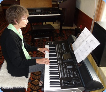Colleen Kerr played a lovely arrangement of