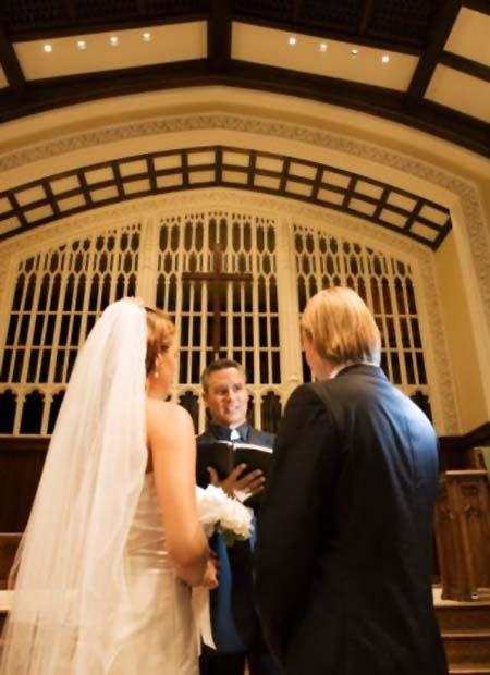 Laulības baznīcā vai dzimtsarakstu nodaļā
