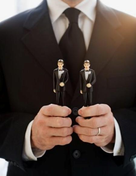 Vai legalizēsim homoseksuālistu laulības?