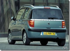 Peugeot-1007_2005_800x600_wallpaper_15