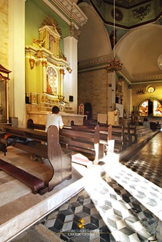 Inside Iloilo City's San Jose Church