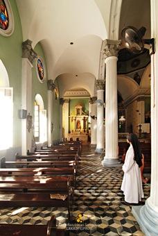 Inside Iloilo City's San Jose Church