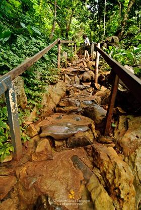 The Path to Coron's Kayangan Lake