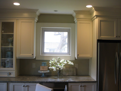 13 inch cabinet crown sounds huge positano anyone for Bulkhead over kitchen cabinets
