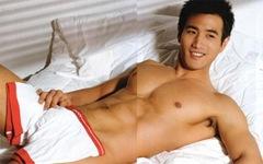 choi_ho_jin_shirtless_1