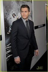 jake-gyllenhaal-michelle-monaghan-source-code-premiere-12