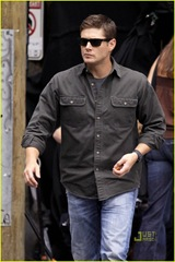 jensen-ackles-gummy-snacks-05