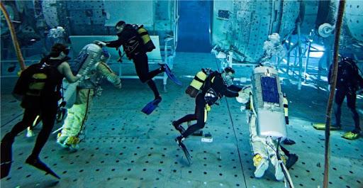 Подводная тренировка космонавтов в Звёздном городке. Фото Сергея Пономарёва