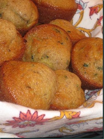Zucchini muffins 023