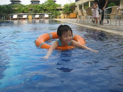 Những nguyên tắc an toàn khi bơi