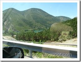 Озеро в испанских Пиренеях.