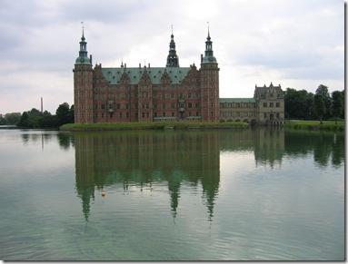 Fredriksborg_palace