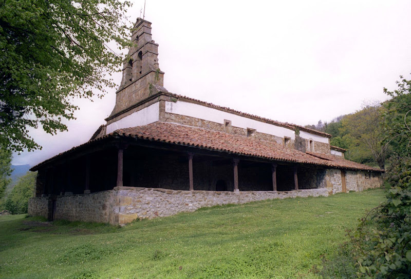 Iglesia de Santa María de Bendueños