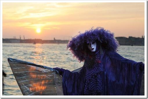 Carnevale 2011 - foto il martedi grasso a venezia - maschera ed erotismo