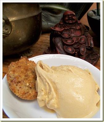 glace pain d'épices et biscuit noisettes