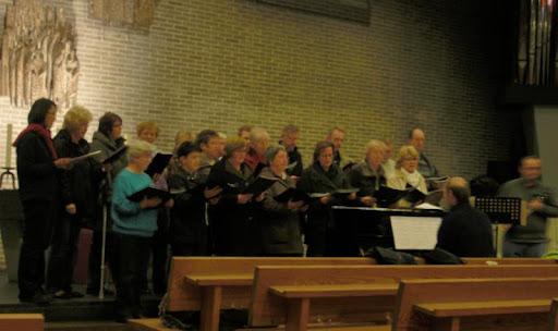 Gemeindechor bei Proben für das Adventskonzert