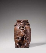 Vase en bambou sculpté, Chine, Dynastie Qing, Epoque Qianlong, XVIIIeme siècle - Lot 15 - Photo courtesy of Sotheby's