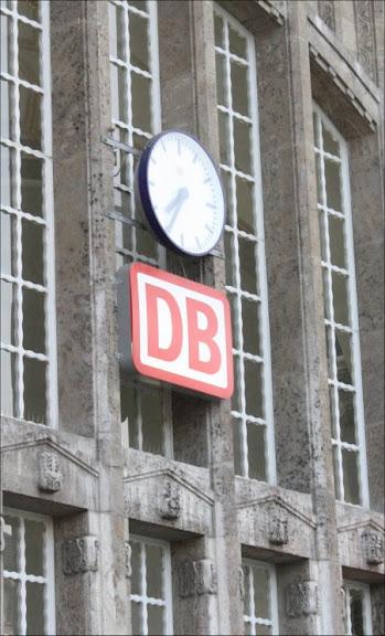 http://lh6.ggpht.com/_t_ujyXPvS2U/TJm6BGNArcI/AAAAAAAAAKQ/2dXhPbT9d-0/s576/Bahn_Logo_Klein.jpg