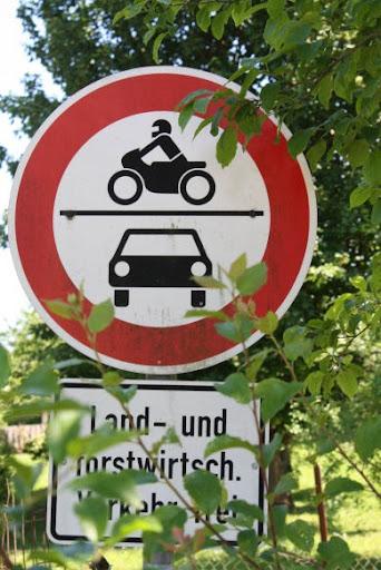 http://lh6.ggpht.com/_t_ujyXPvS2U/TOmEnBuEb6I/AAAAAAAAAO0/pzznoXWgz4U/Durchfahrt_verboten_klein.JPG