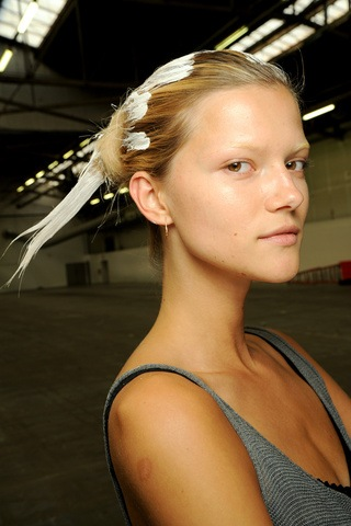 alexander_wang___backstage_270050145_320x480