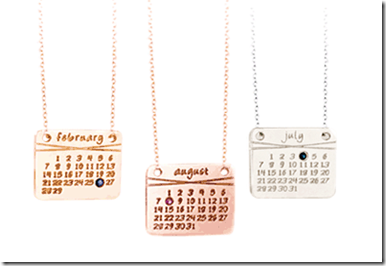 the-calendar-necklace-2