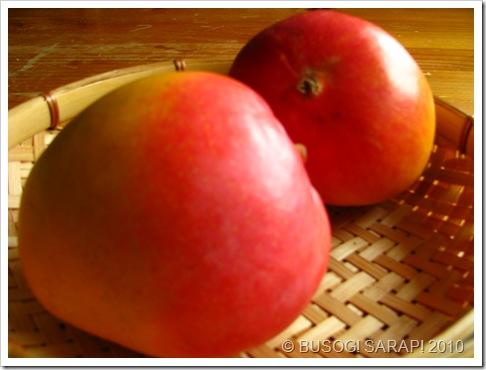 mangoes© BUSOG! SARAP! 2010