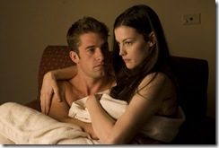 (l-r.) Scott Speedman and Liv Tyler star in Rogue Pictures? terrifying suspense thriller THE STRANGERS.