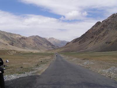 Road fro Sarchu to Pang