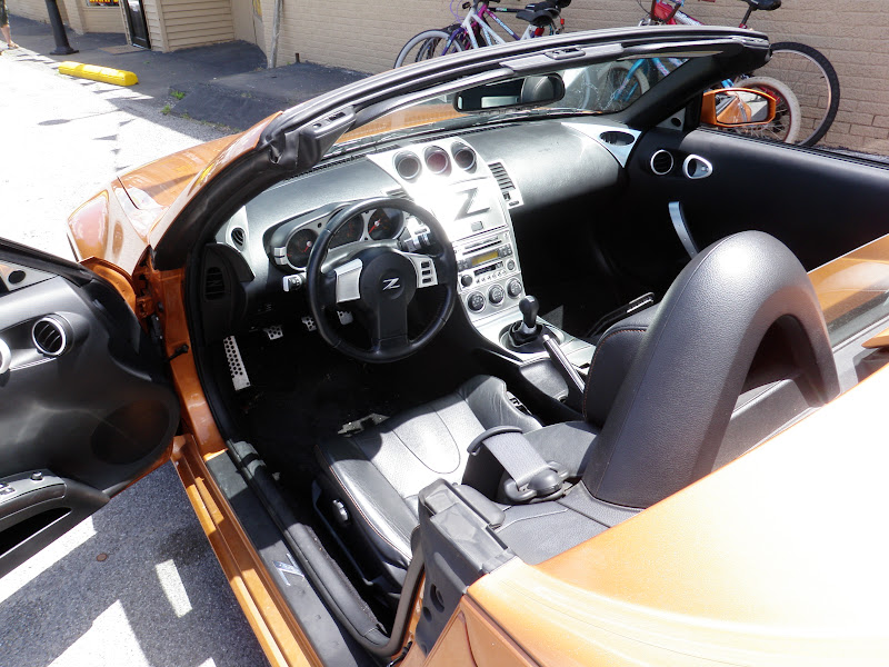 looking at a 2004 350z roadster nissan 350z forum. Black Bedroom Furniture Sets. Home Design Ideas