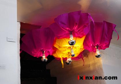 炫丽的雨伞吊灯(Umbrella Chandeliers)-爱新鲜
