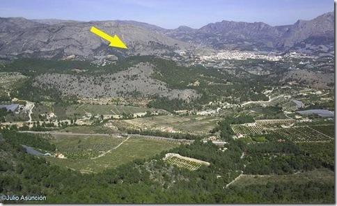 Panorámica desde el monte Ponoch - Ubicación de la Cova Pinta