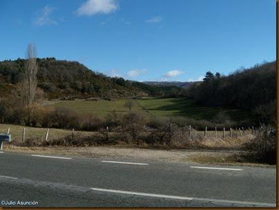 Inicio de la ruta Cuevas del monte Oianeder - Valle de Erro