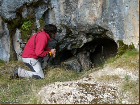 Entrada cueva del monte Oianeder 2 - Valle de Erro