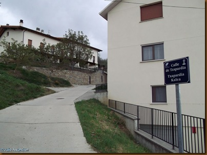 Subida hacia el castro de Matxamendi - Calle Tzapartia - Ubani
