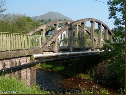 Puente sobre río Baztán - Bidarrai