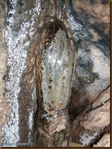 Estalagmita sagrada de la cueva de Harpeko saindua