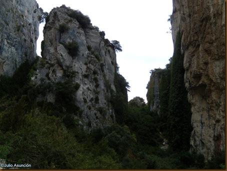 Alrededores del santuario de San Quiriaco - Echauri