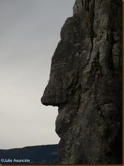Pérfil del monolito de San Quiriaco - Echauri