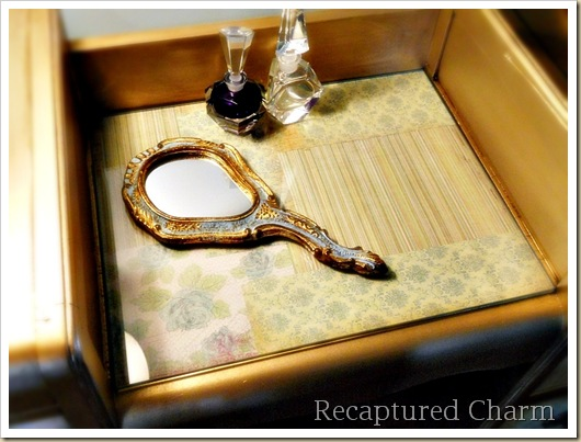 Gold Antique Vanity 051b