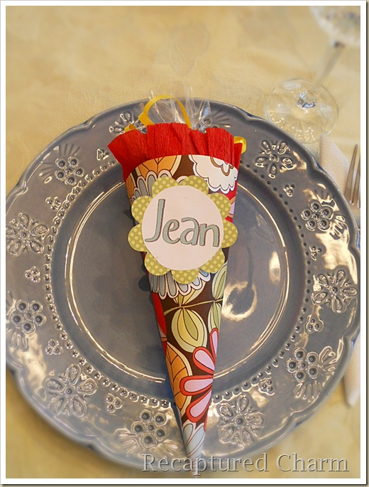 Paper Cone Party Favor Place Cards 070a