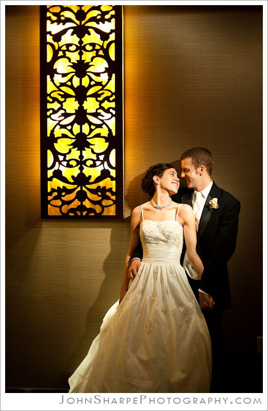 Minneapolis  Wedding Photographer at Holiday Inn Metrodome