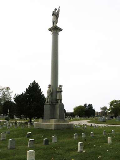 Civil War Memorial at Elmwood Park Cemetery 01