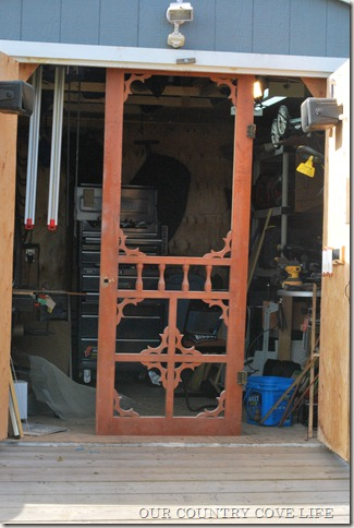 & WOODS COUNTRY COVE : THE LITTLE STORY OF AN OLD COUNTRY SCREEN DOOR