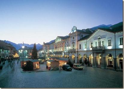 Mercatino di Natale di Aosta - Piazza Chanoux